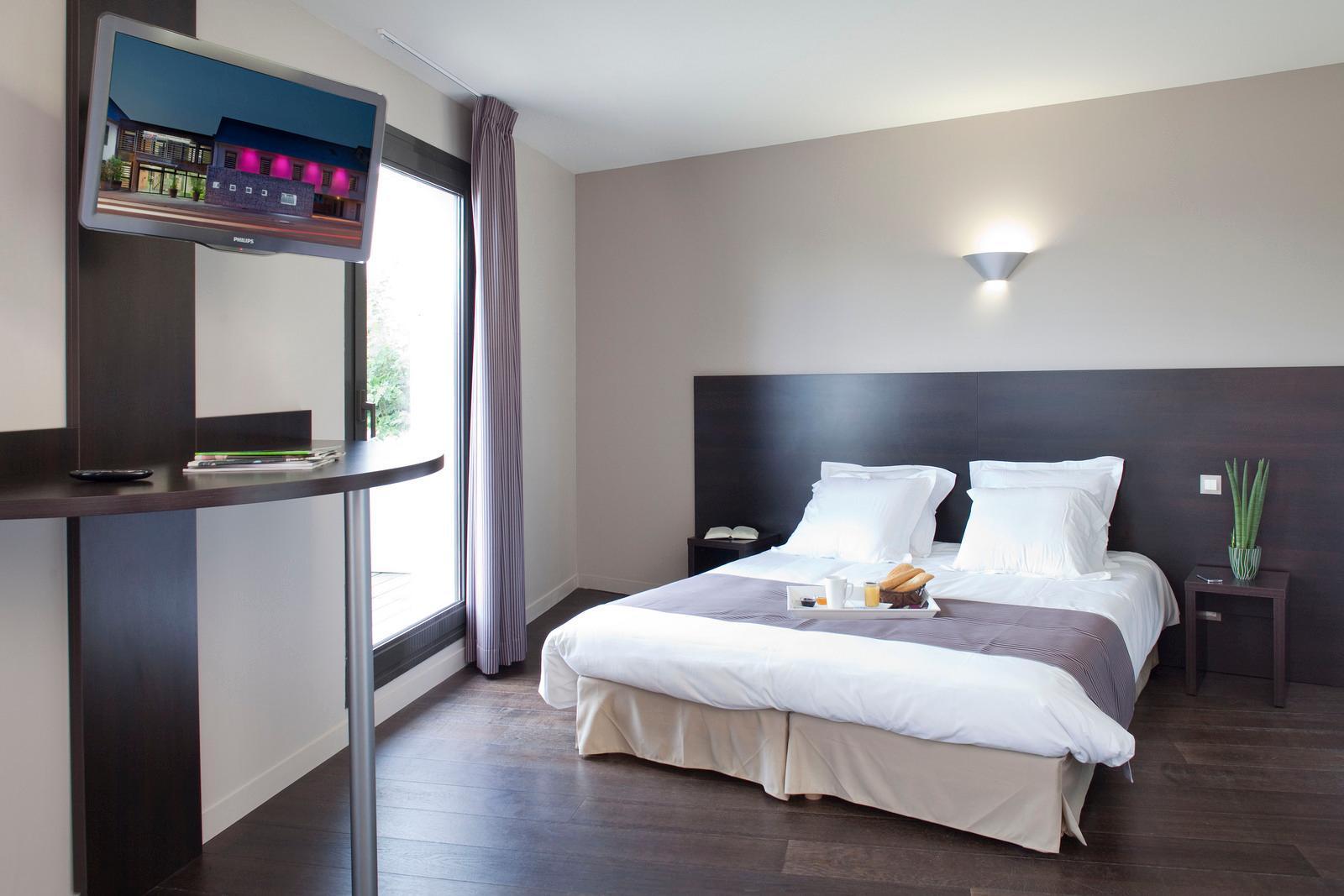 背景墙 房间 家居 起居室 设计 卧室 卧室装修 现代 装修 1600_1067