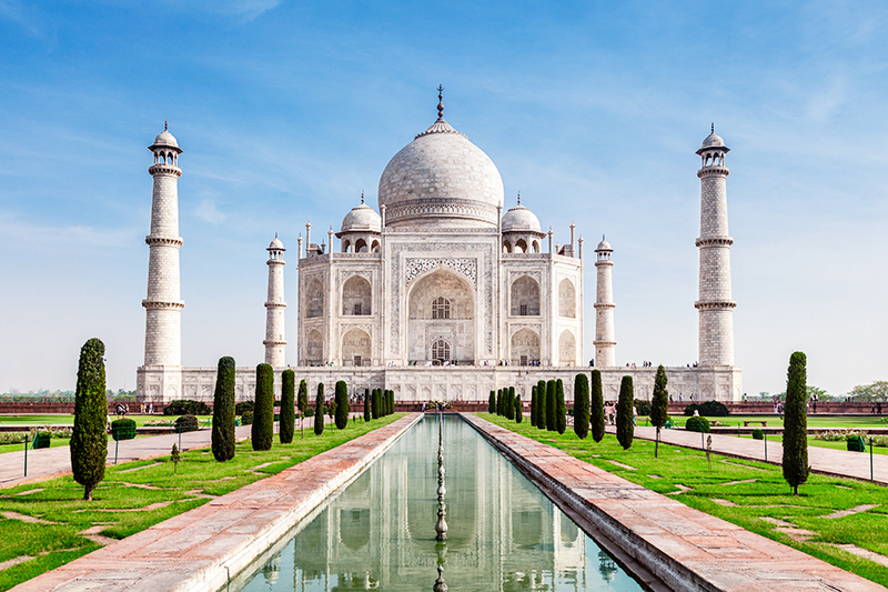 Find cheap hotels in Agra near the Taj Mahal