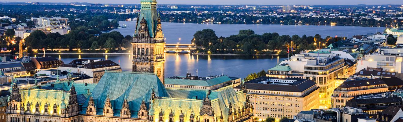 Hamburg - Shopping, Urban, Historic, Nightlife