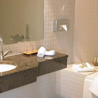 Hotel Kong Arthur Guest Bathroom