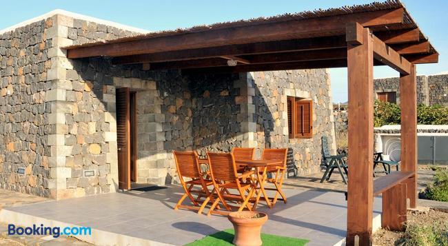 Residence Cuore Mediterraneo - 潘泰萊裡亞 - 建築