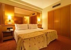 西爾肯隆納達爾巴酒店 - 薩拉曼卡 - 臥室