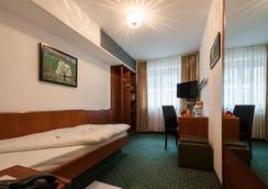 烏恩基爾酒店 - 斯圖加特 - 臥室
