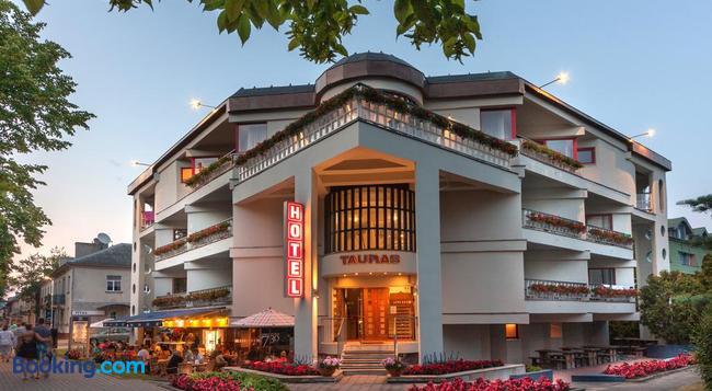 Tauras Center Hotel - 帕蘭加 - 建築