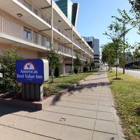 Americas Best Value Inn-St. Louis / Downtown Side Exterior