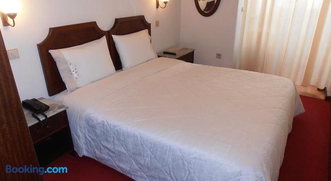 Hotel S. Marino - 波爾圖 - 臥室