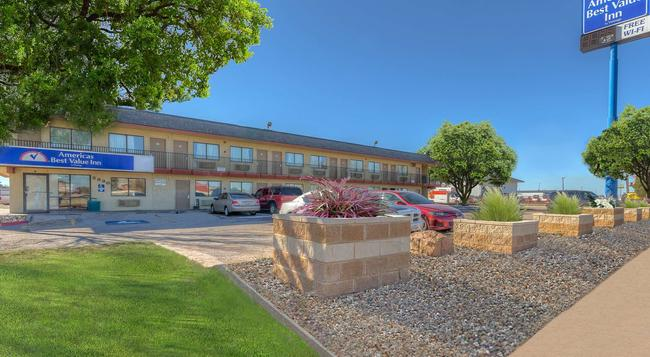 Americas Best Value Inn Amarillo Airport/Grand Street - 阿馬里洛 - 建築