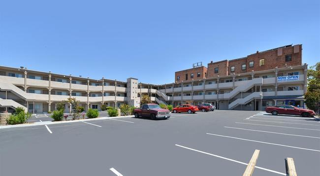 Americas Best Value Inn - Oakland / Lake Merritt - 奧克蘭 - 建築
