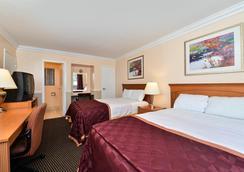 奧克蘭市中心/梅里特湖美國最佳價值旅館 - 奧克蘭 - 臥室