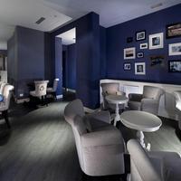 Hotel Club Bar Lounge
