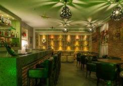 Days Hotel Chennai Omr - 清奈 - 酒吧