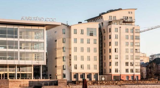 First Hotel River C - 卡爾斯塔德 - 建築