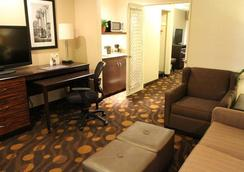 科羅納多島貝斯維斯特套房酒店 - Coronado - 臥室