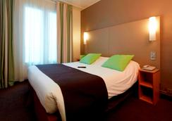 鐘樓巴黎14瑪娜巴納斯峰酒店 - 巴黎 - 臥室