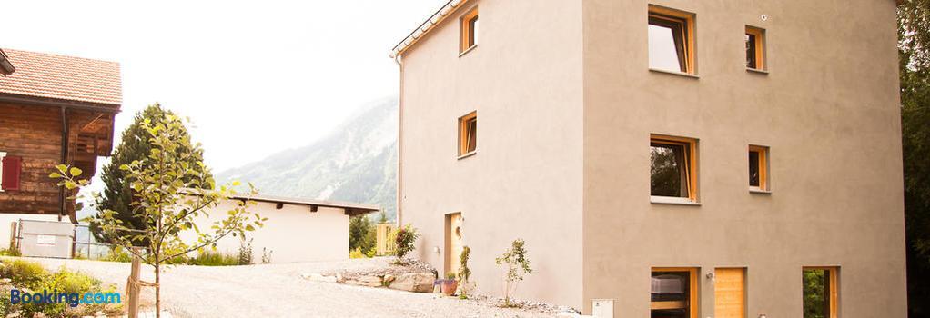 Nangijala Guest House - Disentis - 建築