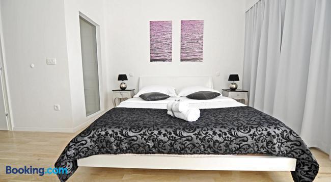Tinel Superior Residence - 扎達爾 - 臥室