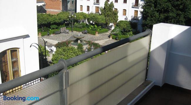 Hostal La Malagueña - 艾斯塔波 - 建築