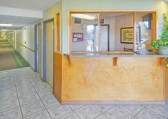 美國最佳價值套房旅館 - 貝克斯菲爾德 - 大廳