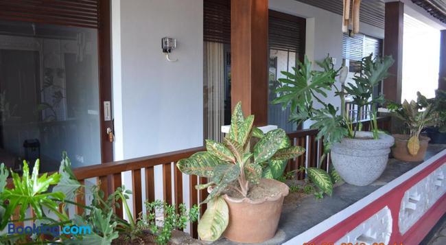 Radha Home Stay - 沙努爾 - 建築