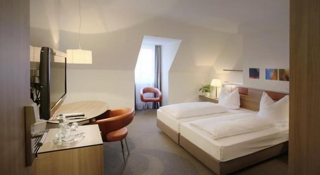 Hotel am Jakobsmarkt - 紐倫堡 - 臥室