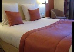 杜波斯特酒店 - 里昂 - 臥室