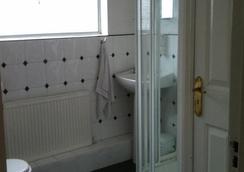 奧本住宿加早餐旅館 - 都柏林 - 浴室