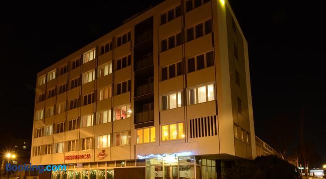 Hotel Pzmot - 盧布林 - 建築