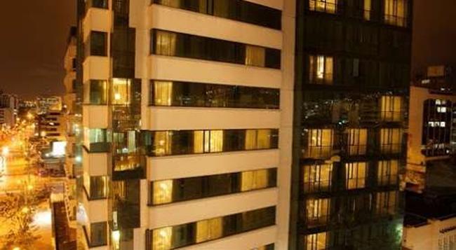 Rio Amazonas Hotel - 基多 - 建築
