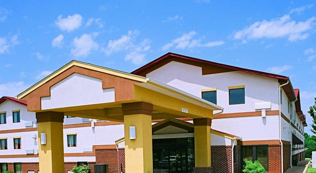 America's Best Value Inn St. Louis South - 聖路易斯 - 建築