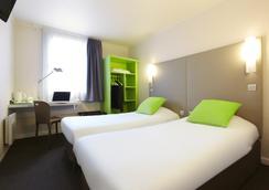 鐘樓巴黎東伯比妮酒店 - 博比尼 - 臥室