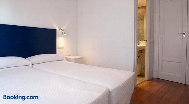 Hostal Santa Isabel - 馬德里 - 臥室
