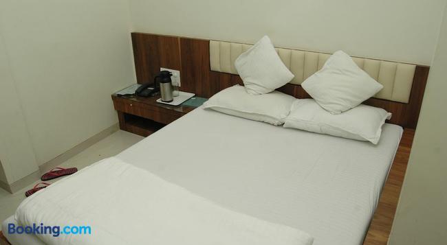Hotel Causeway - 孟買 - 臥室