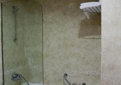 西爾肯體育場酒店 - 桑坦德 - 浴室