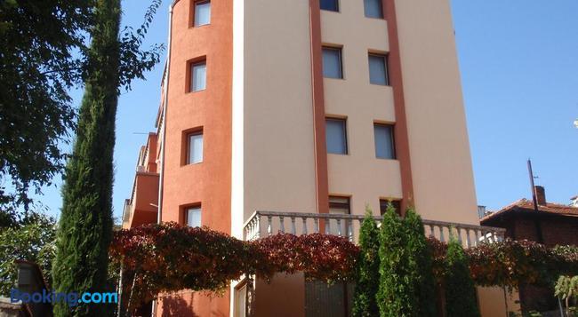 Family Hotel Saint Iliya - Burgas - 建築