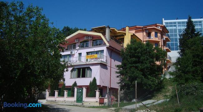 Villa Mari Guest Rooms - Varna - 建築