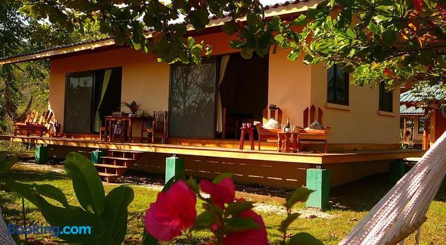 Fidelito Ranch & Lodge - Tambor - 建築