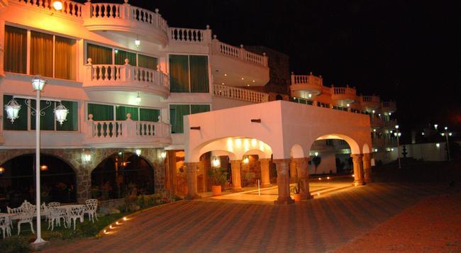 Best Western Toluca - 托盧卡 - 建築