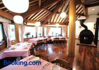 白燭葵膳食公寓酒店