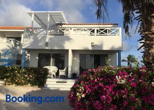 Oceanfront Townhome in Marazul Dive Resort