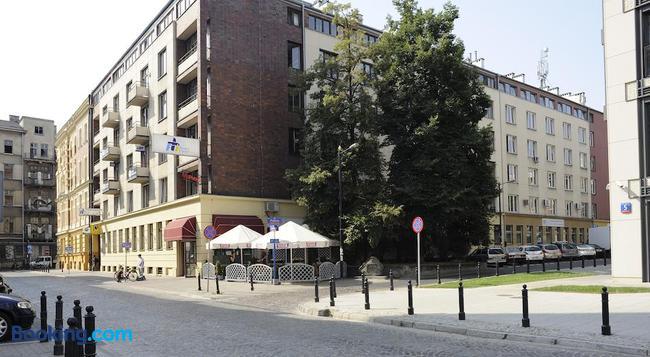 Emka Hostel - 華沙 - 建築
