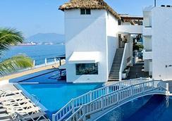 魯納馬爾貝斯特韋斯特PLUS酒店 - 曼薩尼略 - 游泳池