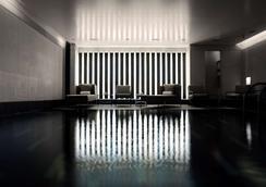 梅寶尼康諾酒店 - 倫敦 - 游泳池