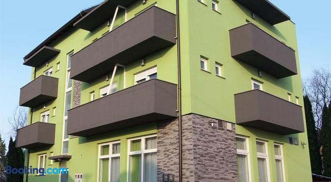 Pansion Komfor Fitea - 奧西耶克 - 建築