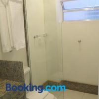 Atlântico Centro Apartments Bathroom