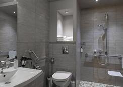 波爾多貝斯特韋斯特大酒店 - 歐里亞克 - 浴室