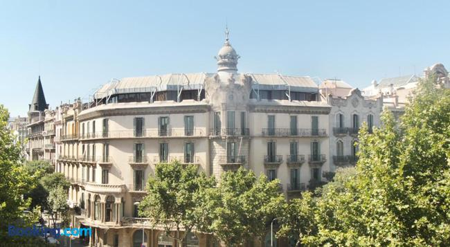 Som Nit Triomf - 巴塞羅那 - 建築