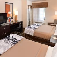 Sleep Inn & Suites Valdosta Guest room