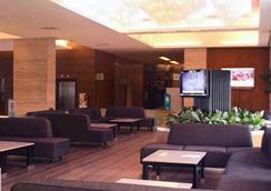 雷明頓酒店 - Pasay - 休閒室