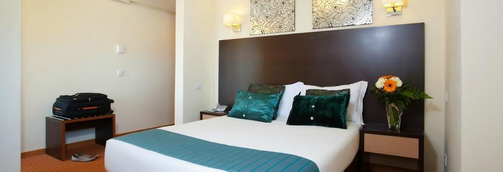 Hotel Dom Afonso Henriques - 里斯本 - 臥室