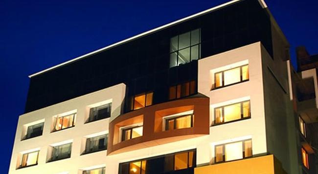 Hotel Eefa - Belgaum - 建築